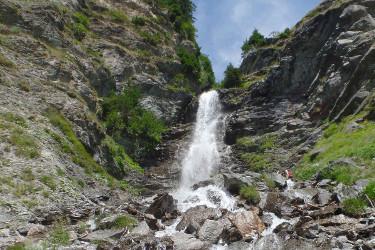 cascade à la chiserette à Champagny en Vanoise dans les Alpes