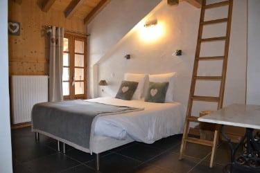 Une chambre au chalet le Sabot de vénus à Champagny