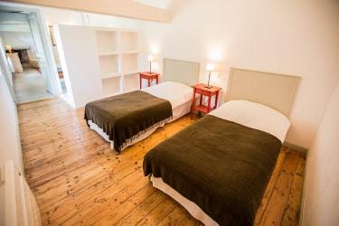 une chambre dans la petite maison au domaine le Colombier à Carcassonne