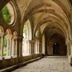Cloître d'un monastère dans le Pays Cathare