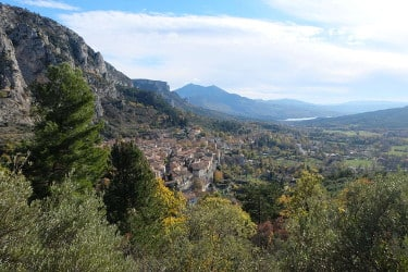 vue moustiers ste marie jeune therapeutique petit - monastere - version avant avril 2019