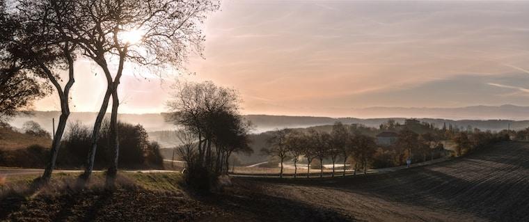 lever de soleil gers jeune confort luxe 760x319 - Château de Guirauton - version avant avril 2019