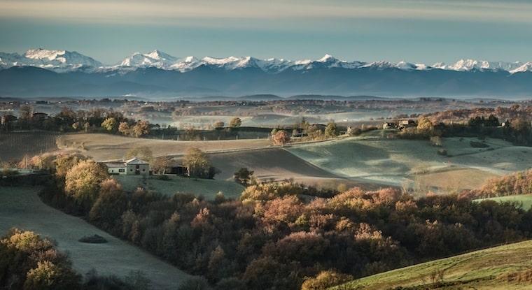 pyrenees gers jeune confort luxe 760x415 1 - Château de Guirauton - version avant avril 2019