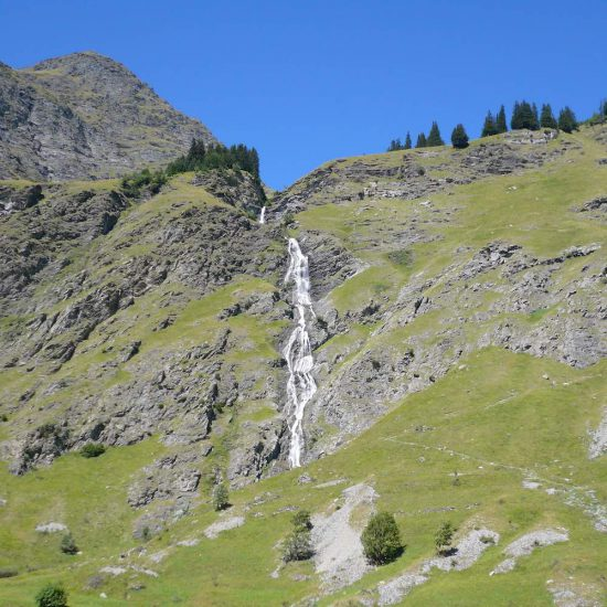 cascade jeune et randonnee 1000x1000 550x550 - LES ALPES - Champagny-en-Vanoise