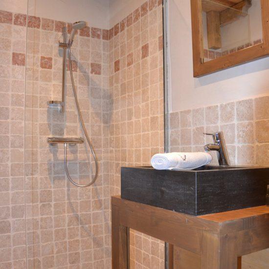 salle d eau sabot venus jeune et randonnee 1000x1000 550x550 - LES ALPES - Champagny-en-Vanoise