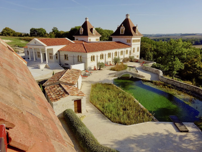 chateau piscine detox luxe 1440x1080 - Domaine d'Orion