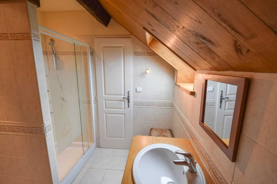 salle de bain domaine essendieras perigord detox confort 3 960x640 - Domaine d'Essendiéras