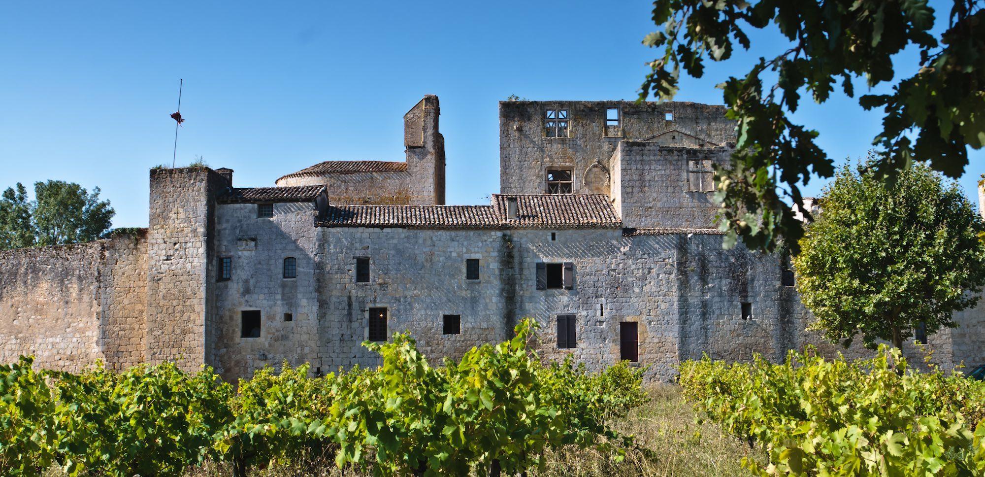 château laressingle jeune confort luxe 2000x960 - Gers - Château de Guirauton