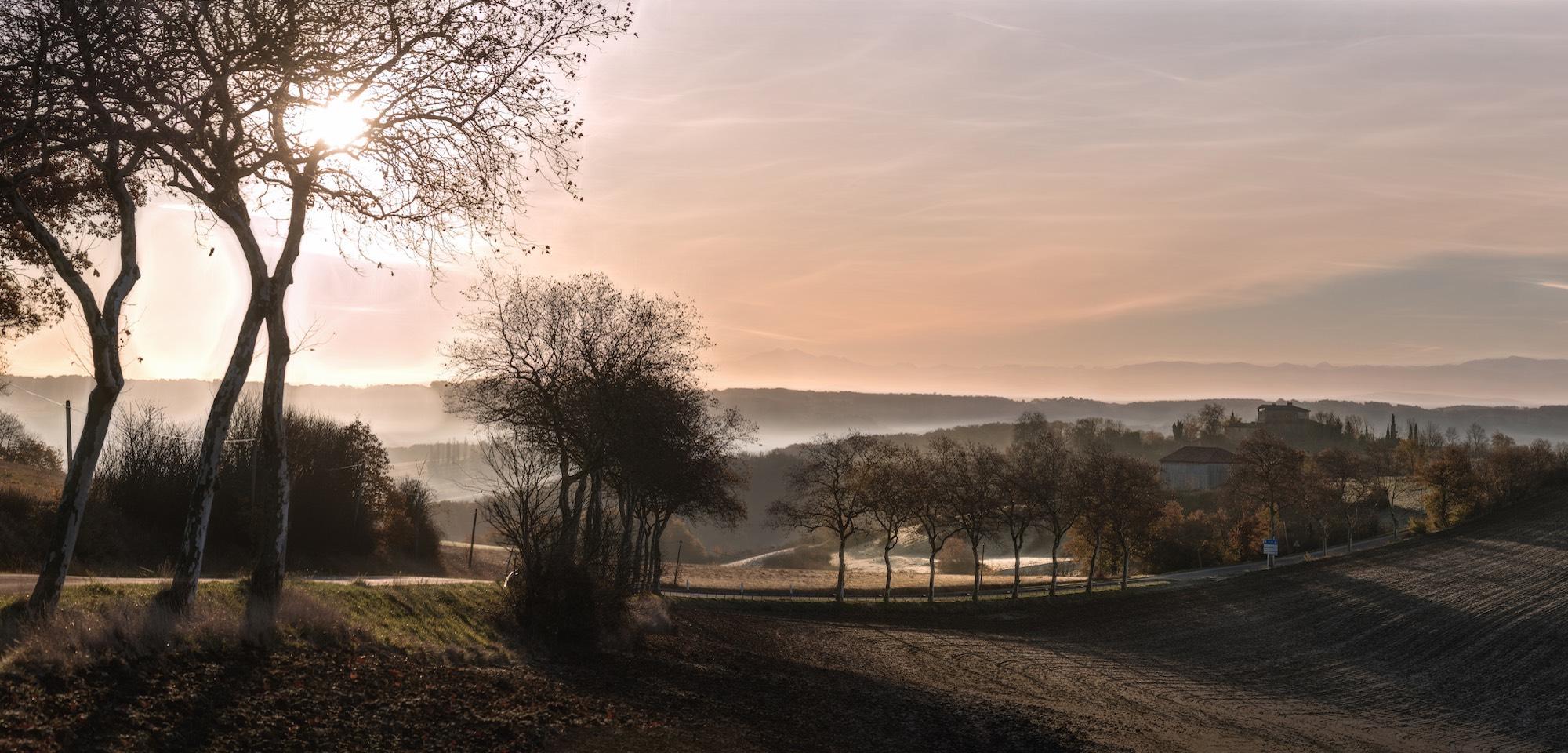 lever de soleil gers jeune confort luxe 2000x960 - Gers - Château de Guirauton